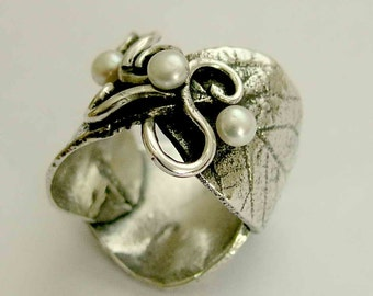 Silver ring, pearls ring, nature band, leaves ring, vine ring, wide silver band, twig ring, oxidised silver ring, leaf - Wild leaves R1639