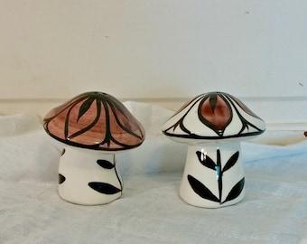Vintage Mushroom Salt and Pepper Set
