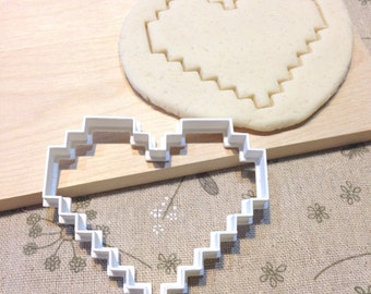 8 Bit Heart Cookie Cutter - Fondant Icing Cake Cupcake Topper Iced Sugar Cookies Biscuit Mould Old School Retro Video Game Gamer Pixels Life