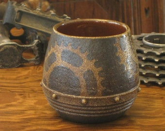 Whiskey cup with Gears 3
