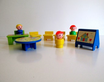 Vintage Fisher Price Little People School House Play Set #923