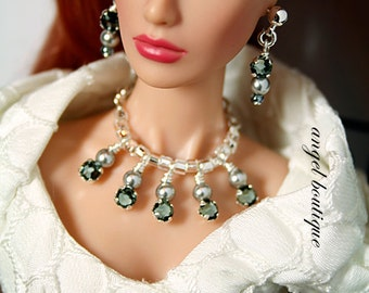 Sparkling Crystal Statement Necklace with Matching Earrings