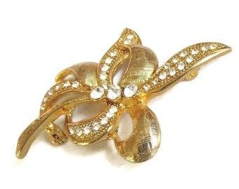 Vintage Leaf & Bow Brooch in Gold Tone with Rhinestones
