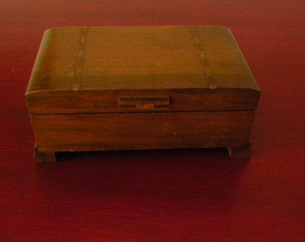 Vintage Swiss Music Box Marquetry Top  Plays Old Folks at Home (Way down Upon the Swanee)