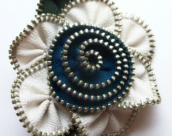 Off White and Blue Floral Brooch / Zipper Pin by ZipPinning 3012