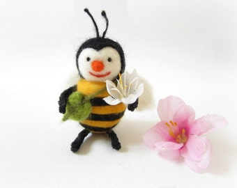 Felt Bumblebee,Needle felted Bee,Felt ornament