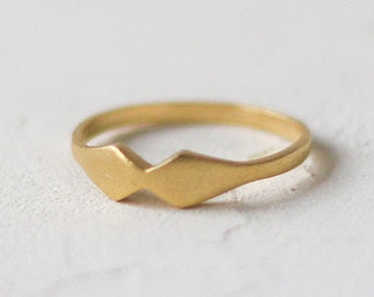 14k Gold Kite Ring, Kite Shaped Ring. 14K Solid Gold. Dainty Stackable Wedding Ring, Promise, Anniversary