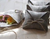 Linen favor / gift / candy envelope style bags. Set of 20. Linen bags/ purse. Burlap favors.Size : 4 1/2 inch x 3 1/2 inch