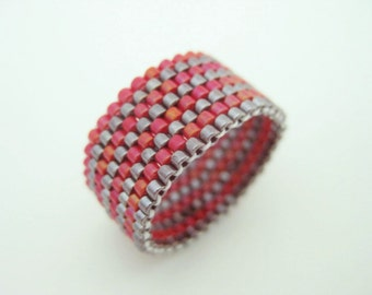 Peyote Ring  /  Red and Currant / Size  5, 6, 7, 8, 9, 10, 11, 12, 13 /  Striped Ring / Seed bead Ring / Delica Ring / Beaded Ring /