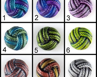 Twisted Yarn Ball Snap in Assorted Colors
