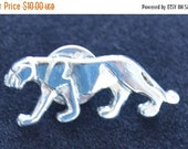 On Sale Cute Vintage Silver tone Panther. Animal Tac Pin, Safari (T4)