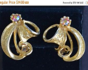 On Sale Pretty Vintage Red Aurora Borealis Rhinestone, Gold tone Swirl Clip Earrings (AK2)