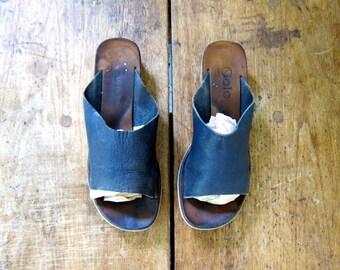 60s Leather Sandals Black Open Toe Slides Wooden Heels Sandals Vintage Italian Shoes Modern Boho 1960s Slip On Sandals Vintage 7.5