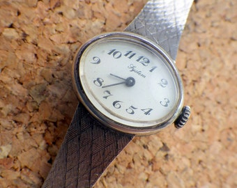 Vintage Silver Watch - Integrated Band - Oval Shape - Lystem - Manual Wind.