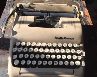 SALE Vintage Smith Corona Super Silent Manual Typewriter in Case