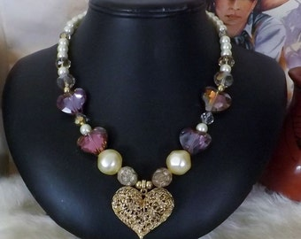 Romance is in the Air with this Charming Pearl and Crystal Necklace