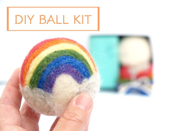 Needle Felting Kit Beginner - Felted BALL Kit - Wool Woodland Dryer Ball Kit - DIY Craft Kit - Children - Waldorf Kids Toy Kit