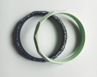 Wooden Speckled Bangle in Mint or Black