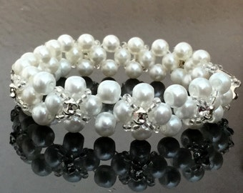 Elegant Pearl Bracelet With Sew-on Crystals