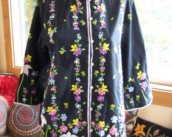 Embroidered Tunic, Floral over-Shirt, Floral Jacket, Embroidered Top, Philippines tunic, lightweight Jacket, size M / L