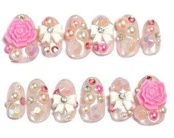 Deco nails, false nails, oval nail, hime gyaru, gyaru nail, gaijin gyaru, kawaii nail, 3D nail, sweet lolita, white lolita, Japanese 3D nail