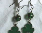 Vintage Jewelry SHAMROCK Dangle Earrings Beaded Wire Wrapped Beads Green Clover Charms