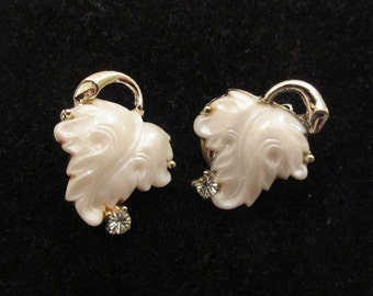 Vintage Clip Earrings White leaves with Rhinestones