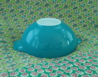 Vintage Pyrex Large 444 Cinderella Nesting Bowl