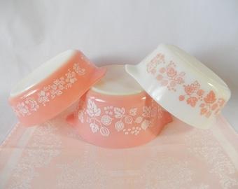vintage pink pyrex, gooseberry, 3 dishes, 1pt, 1.5pt, 1 qt, no lids, vintage kitchen, kitchen and dining