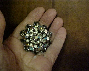 Sparkly rhinestone dome shape brooch