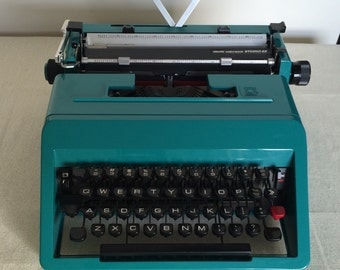 Turquoise Olivetti Lettera 45 in Mint Condition!