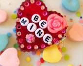 Kawaii Valentines Day Be Mine Sweetheart Brooch - Vintage Style Box of Chocolates with Flowers - Conversation Hearts