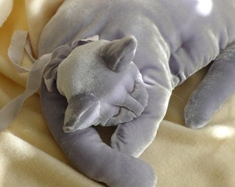A Cloud Blue Velvet Cat