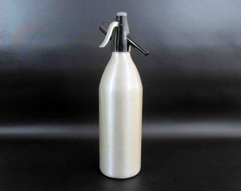 Vintage Kayser Seltzer Bottle in Brushed Steel. Made in Austria. Circa 1960's.