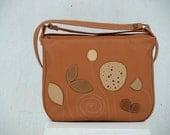 Botanist Messenger, women crossbody purse, everyday bag, brown leather messenger bag, womens leather messenger, spring fashion