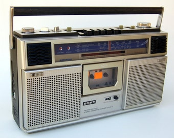 1980s Boombox Guettoblaster Sony AM FM Stereo Cassette Player Recorder