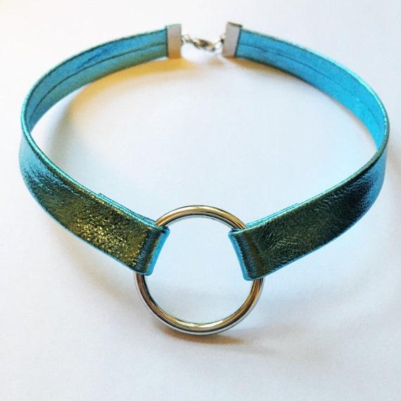 Metallic blue silver ring choker