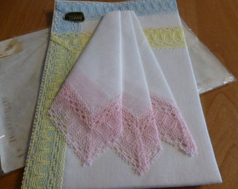 Set of 3 handkerchief with lace 3 colours Original Packaging 1960s