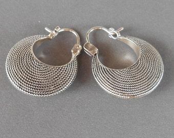 Balinese Sterling Silver Hoop Earrings / silver 925 / Bali handmade jewelry / 1 inch