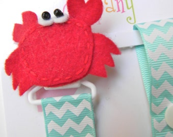 Crab Pacifier holder, Crab pacifier clip, crab baby gift, binky clip, binky holder, baby shower gift, paci clip