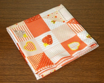 Small Vintage Strawberry Patchwork Card Table Cover