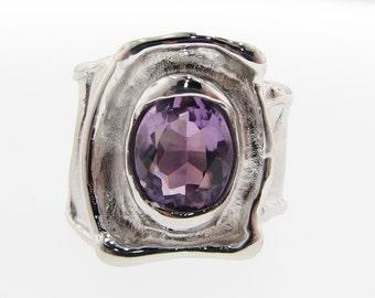 Oval Amethyst Silver Ring - Silk