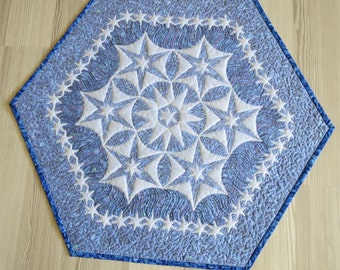 Shadow trapunto small star quilt
