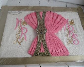 Vintage Towel Set Mr. Mrs. Wash Cloth Pink