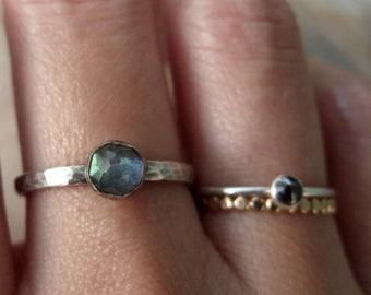 5mm Rose Cut Labradorite Stacking Ring in Antiqued Hammered Sterling Silver - Faceted Natural Stone