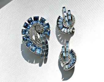 Vintage Brooch Earrings Set Signed Jewelry Blue Rhinestones