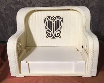 "1983 barbie white ""wicker"" pull out sofa"