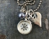 Snowflake Tiny Pendant Necklace with Heart Charm