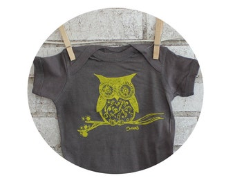 Owl Baby Onepiece, Cotton Baby Bodysuit, Grey, Infant Creeper, Yellow, Bird, Animal, Short Sleeved, hand printed, Woodland Animal