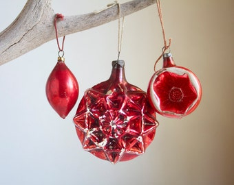 Red Christmas Ornaments. Mercury Glass, Mold Blown Star Snowflake, Indent, Shabby But Sweet, Christmas Decor, Xmas Tree